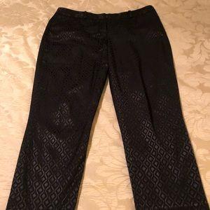 Worthington Black crop pants with neat design.